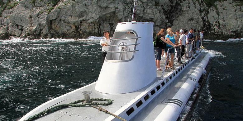 первая подводная туристическая лодка
